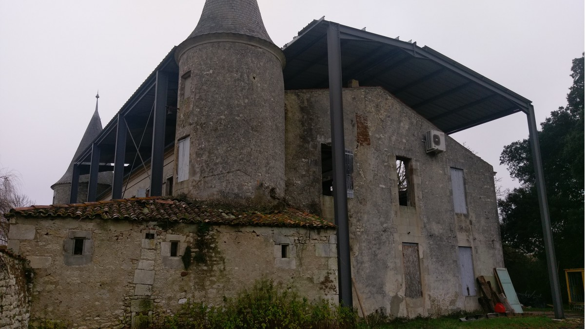 RESTAURATION D'UN CHATEAU